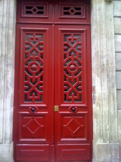 striking red door Paris